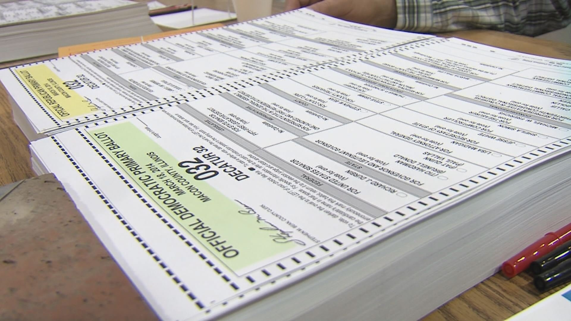 Candidates sweep through central Illinois ahead of primary  ~ Wand Tv Cozi