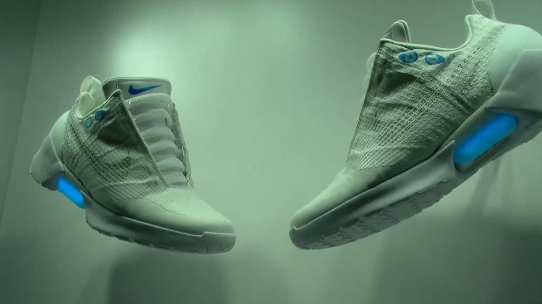 nike introduces self tying shoes chicago news newslocker