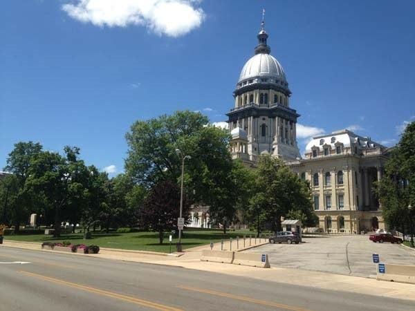 Chicago pension payments eased after bill veto overridden