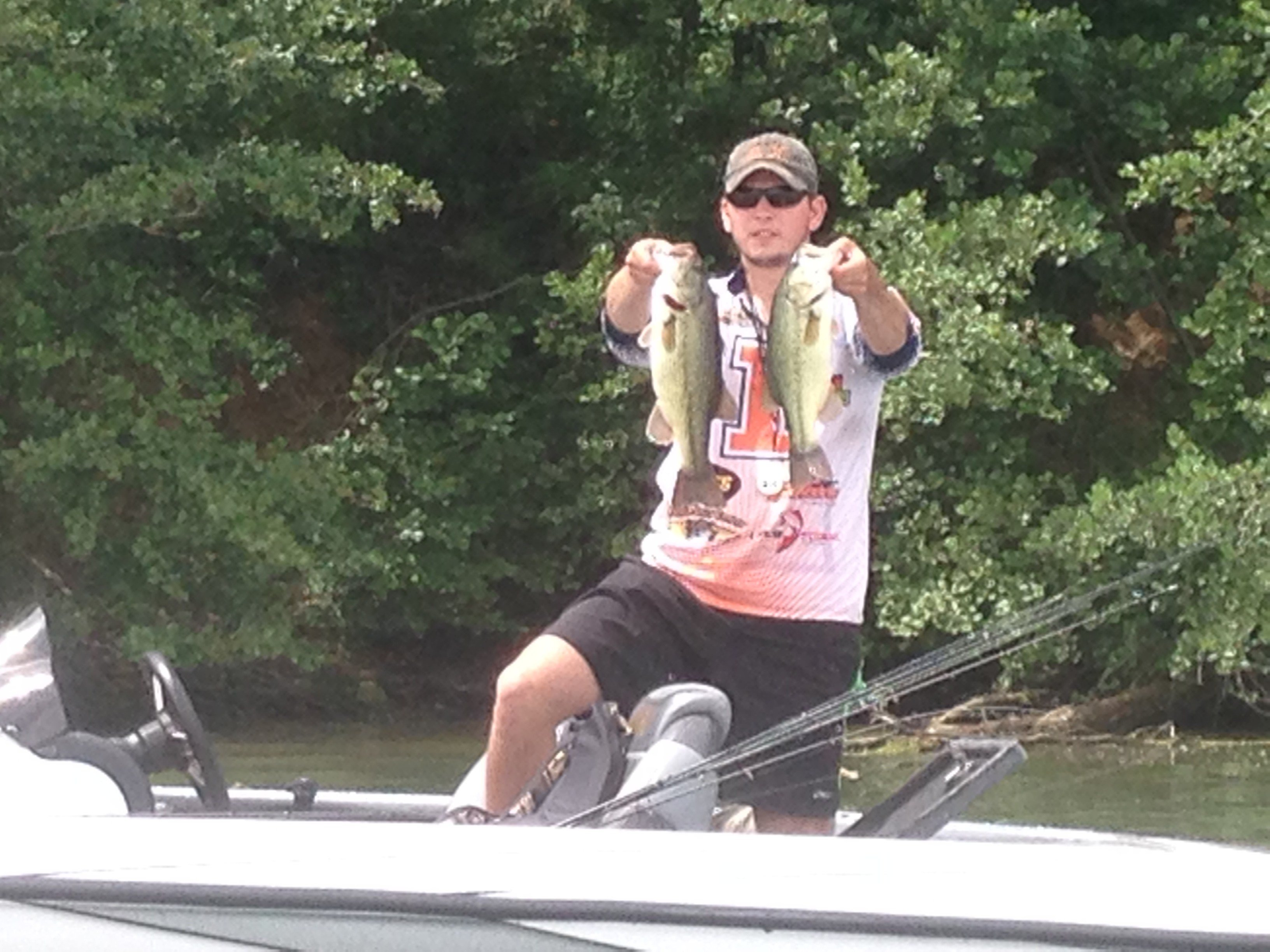 Bassmasters college series hooks clinton lake for Clinton lake il fishing report