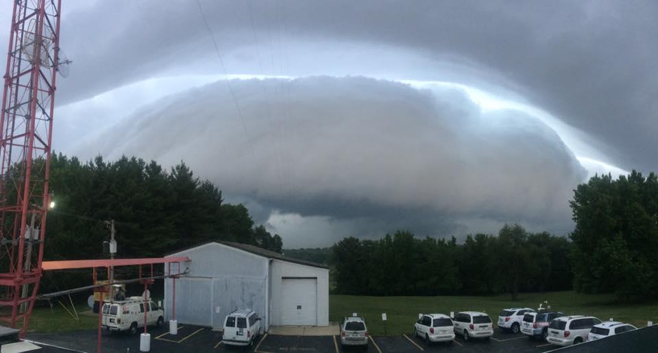 Shelf cloud rolling toward WAND. Credit: Matt Loveless