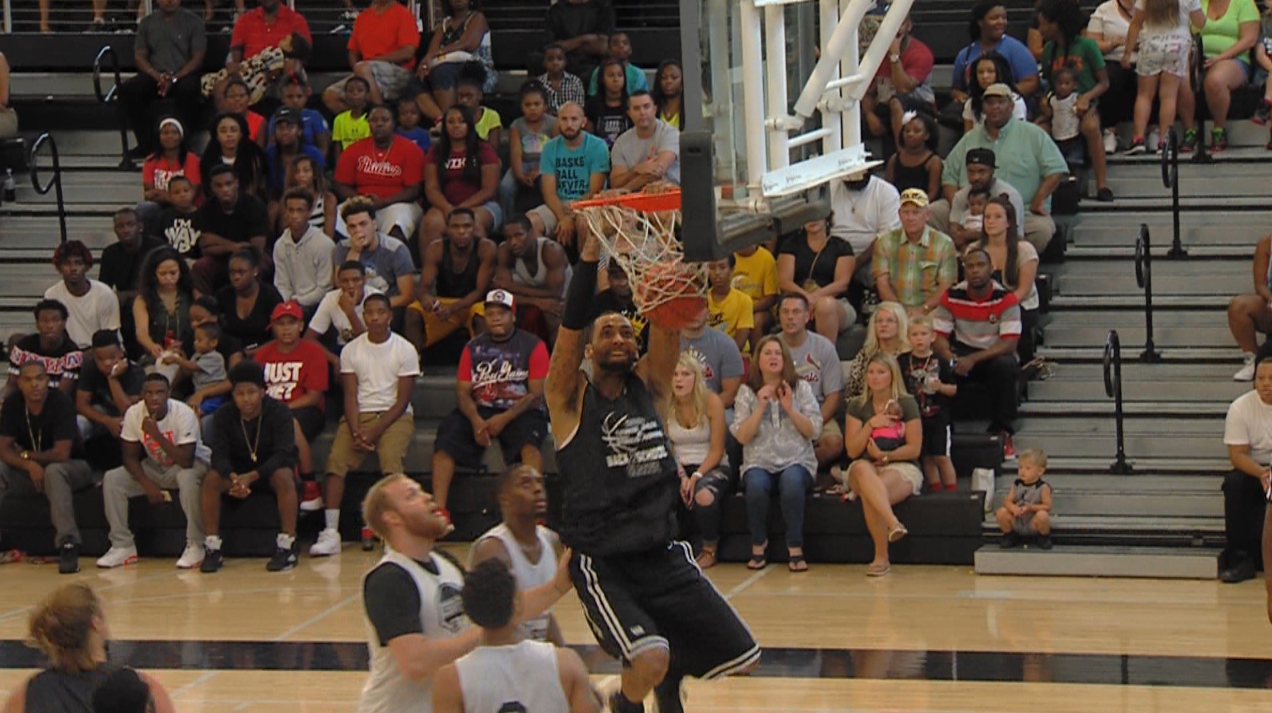 Jeremy Robinson slams it home during the inaugural Back 2 School Classic