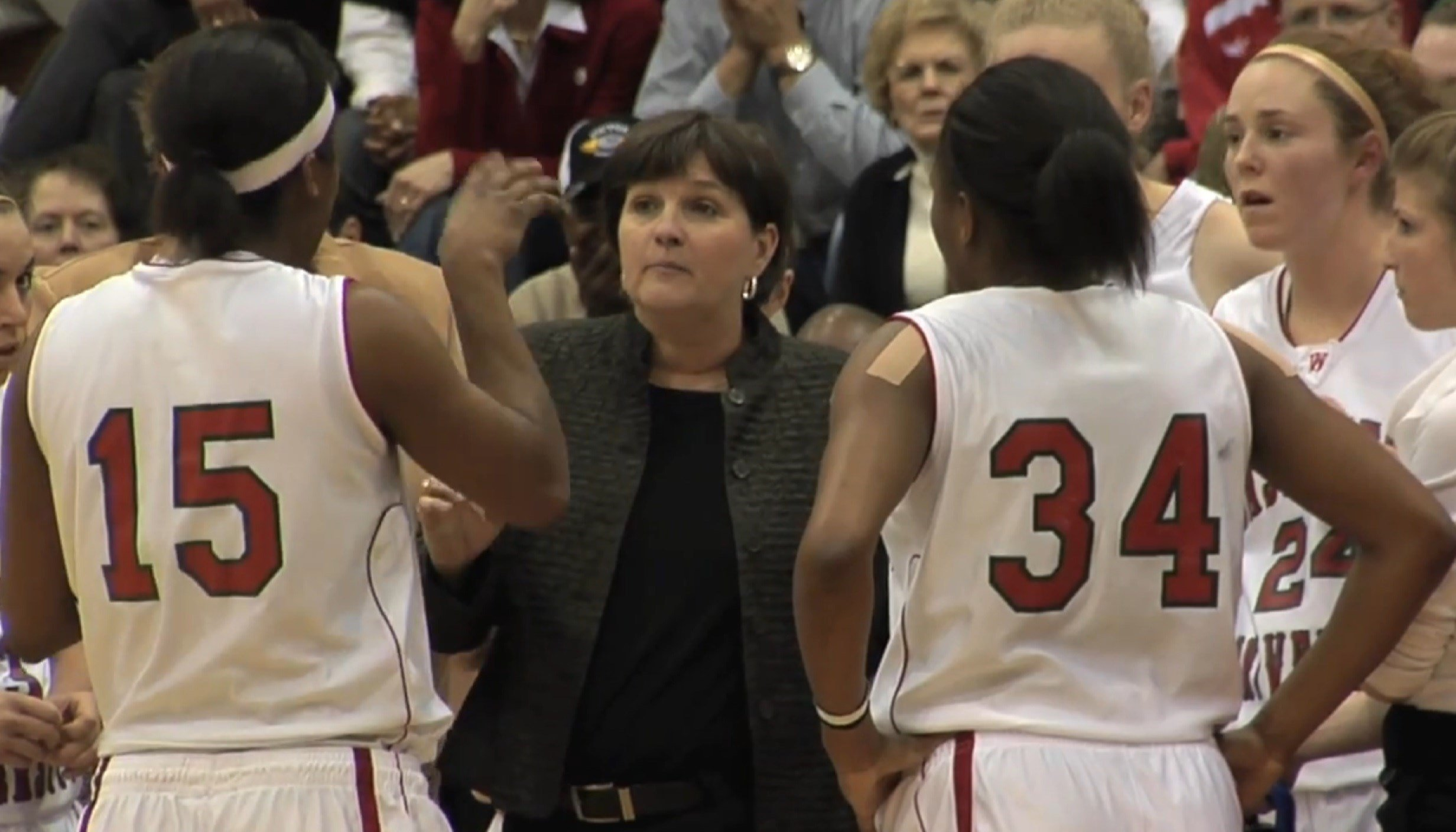 D-3 legend Nancy Fahey takes over Illini women's basketball program