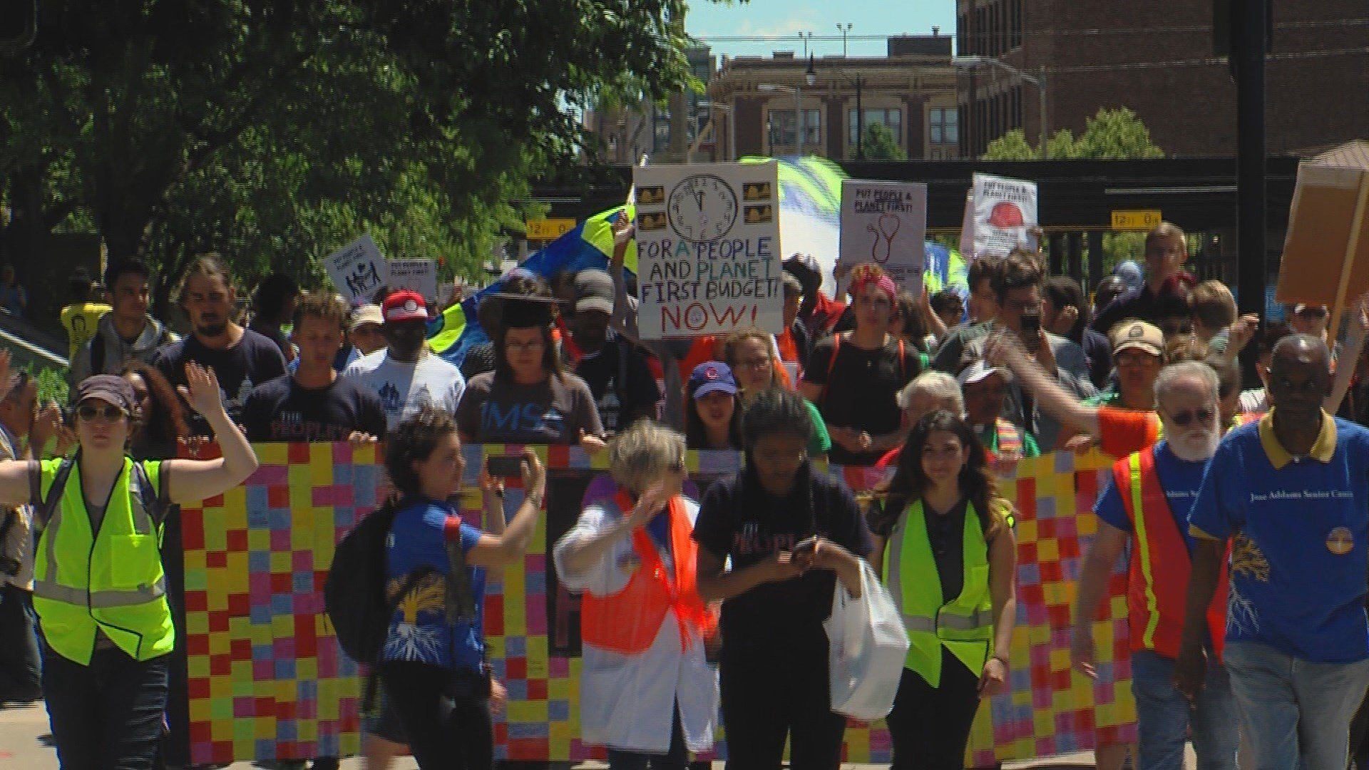 Protesters march 200 miles to protest Illinois budget