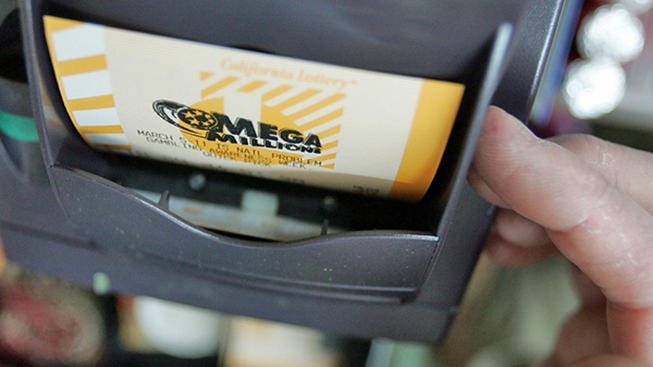 Illinois Mega Millions victor claims $393 million jackpot