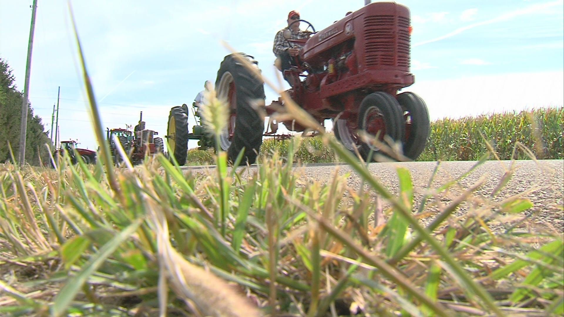 Tractors join tribute to Logan County boy Wandtv