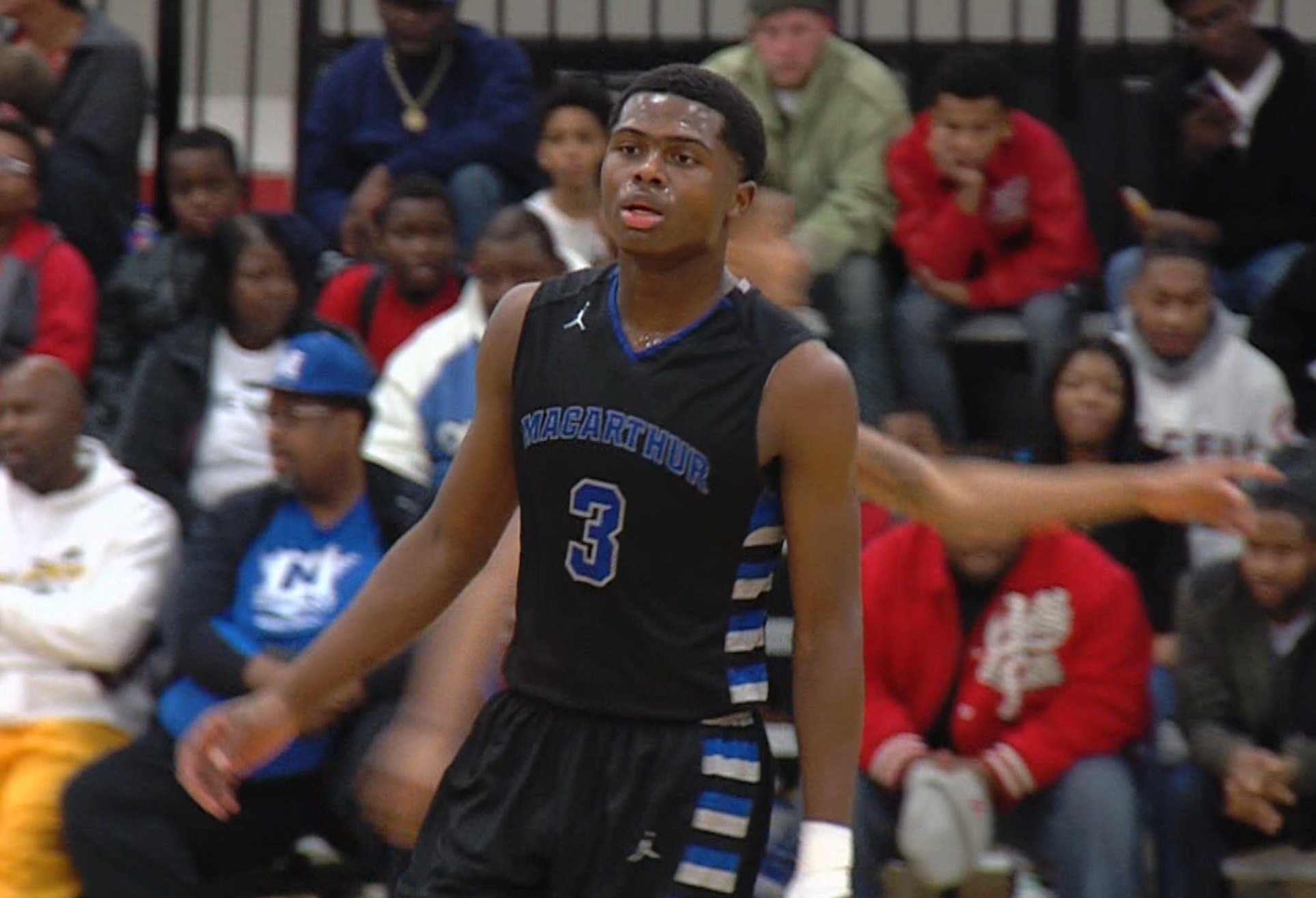 Amir Brummett led MacArthur with 28 points and 9 rebounds in the Generals' 66-53 win over Chicagoland power Thornton.