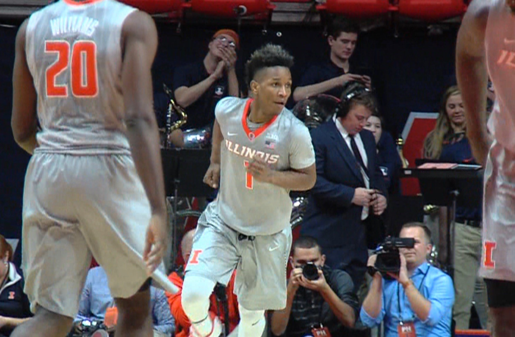 Illini freshman guard Trent Frazier scored a career-high 20 points to go with 4 steals, 4 rebounds and 4 assists in Illinois' commanding 92-45 win over Longwood on Wednesday in Champaign.