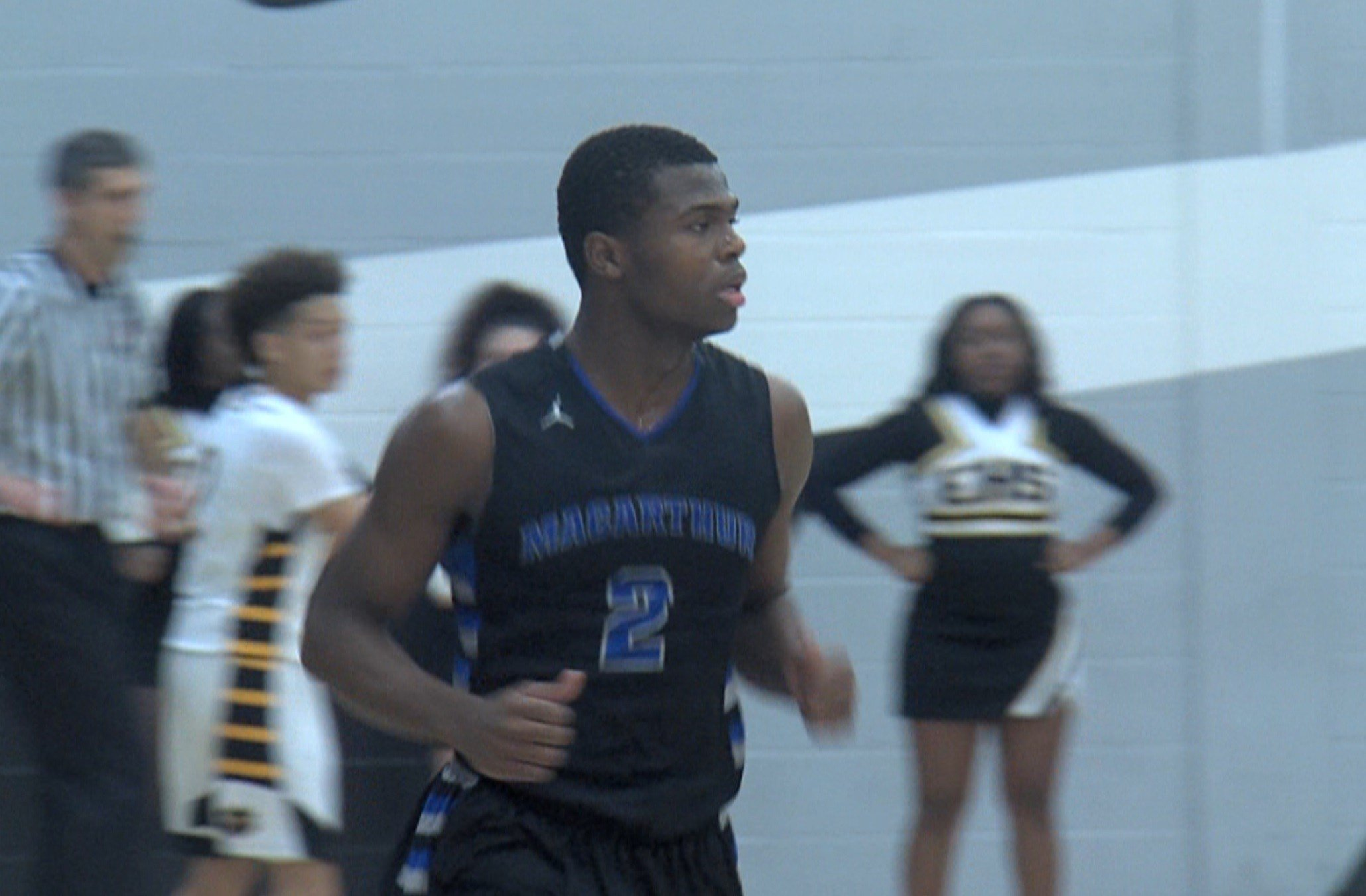 MacArthur wing Armon Brummett posted 31 points in an 84-81 win over Eisenhower on Friday night in Decatur.