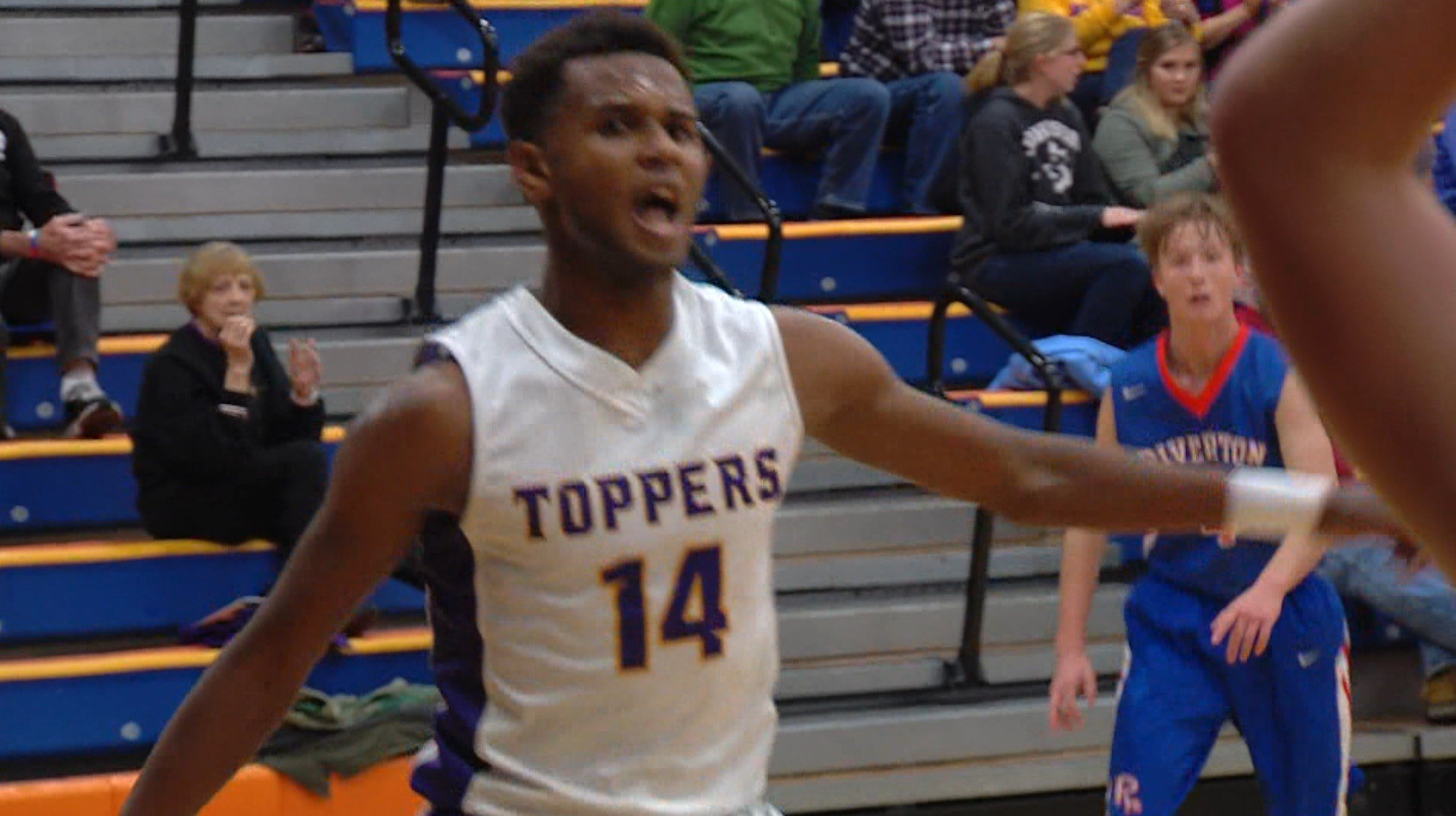 Mt. Pulaski guard Gezus Oliver helped the Toppers win the Tomahawk Conference title in 2017-18.
