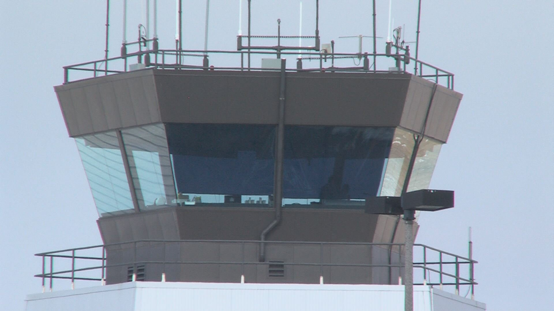 FAA closing two Central Illinois air traffic control