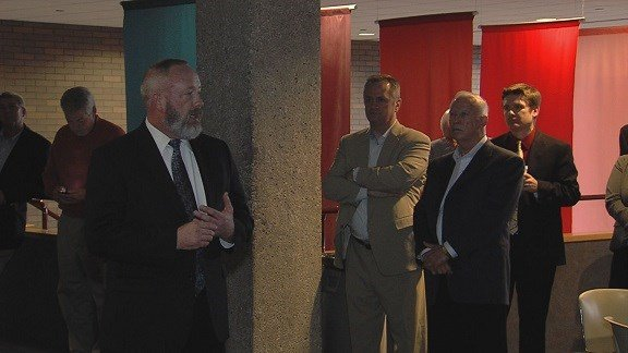 Residents welcome Decaturs new city manager at reception ~ Wand Tv Cozi