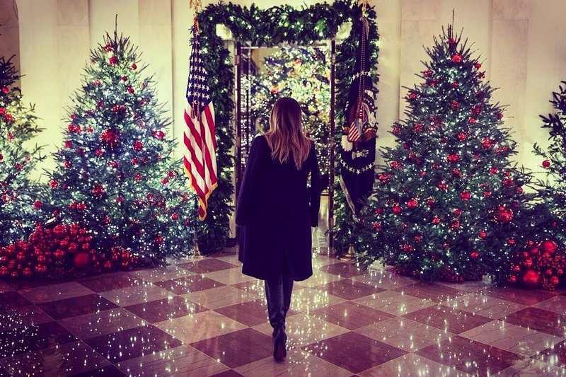 melania trump unveils white house christmas decorations